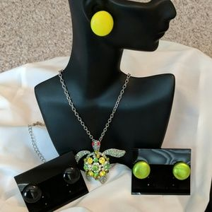 Neon and metallic look button earrings